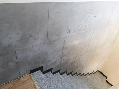 Küchenwand und Treppenaufgang - Lohne Projekt 2019