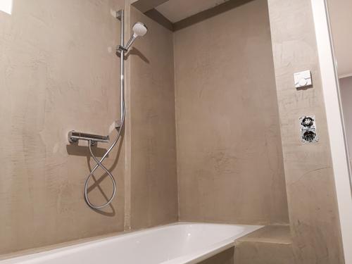 Mikrozement und Versiegelung - Badezimmer Poplawski
