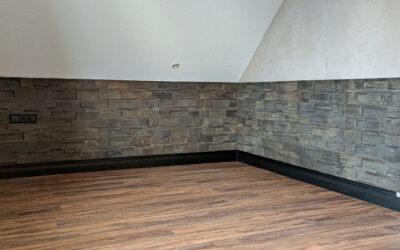 Schickes Kinderzimmer: mit edlem Kalk-Marmorputz und Boden in Holzoptik